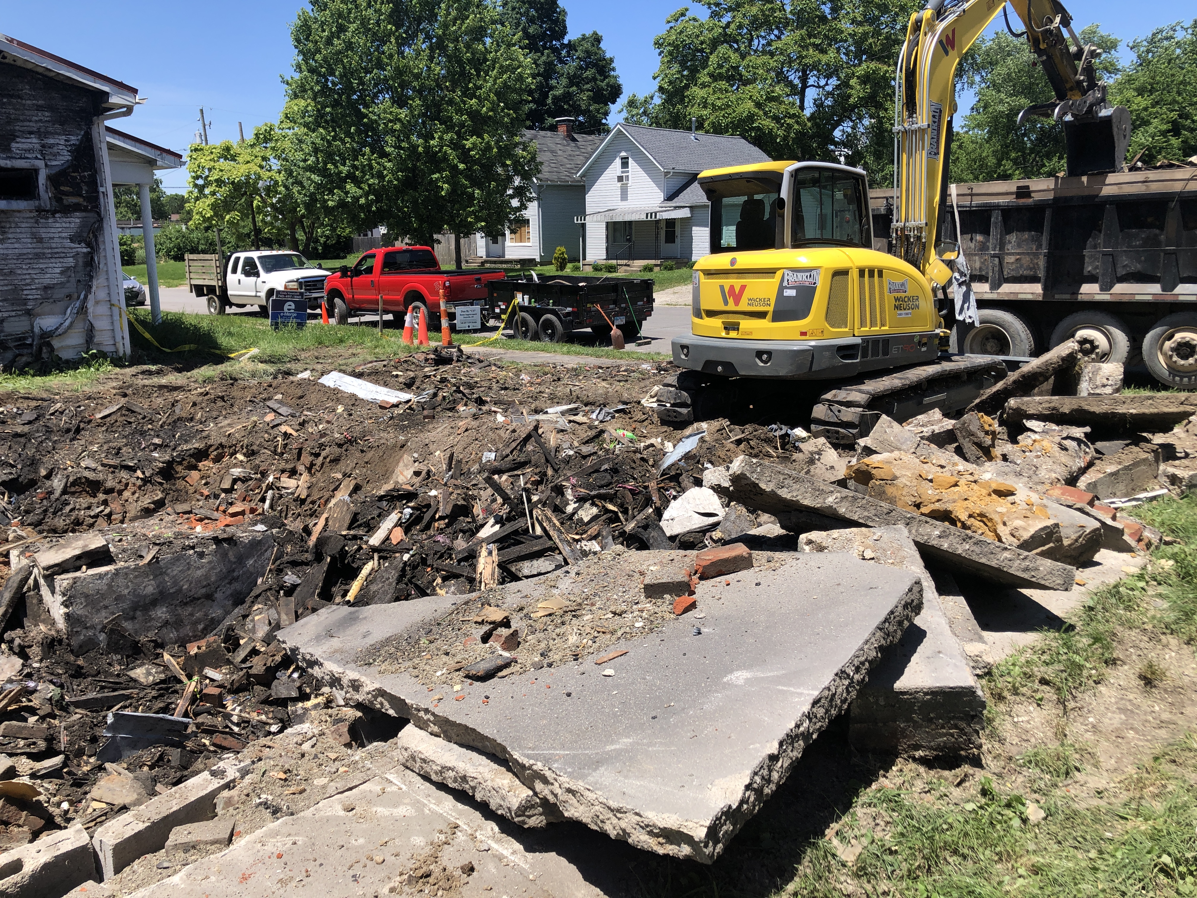 Logan Street Burnt Homes Being Torn Down - Scioto Post